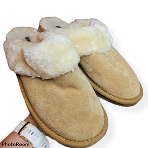 Minnetonka Sheepskin-like Mule Slippers